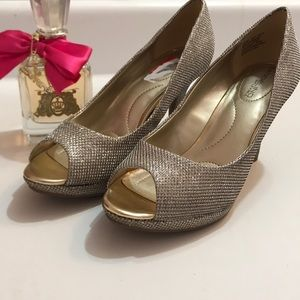 Bandolino Gold Peep Toe Pumps Size 6 1/2